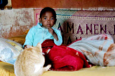 enfant Madagascar chat